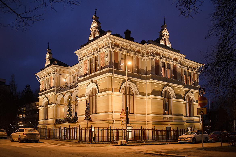 Pikkupalatsi facade